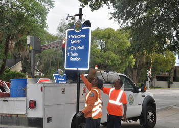 Winter Park is installing wayfinding signs to point visitors to important places.