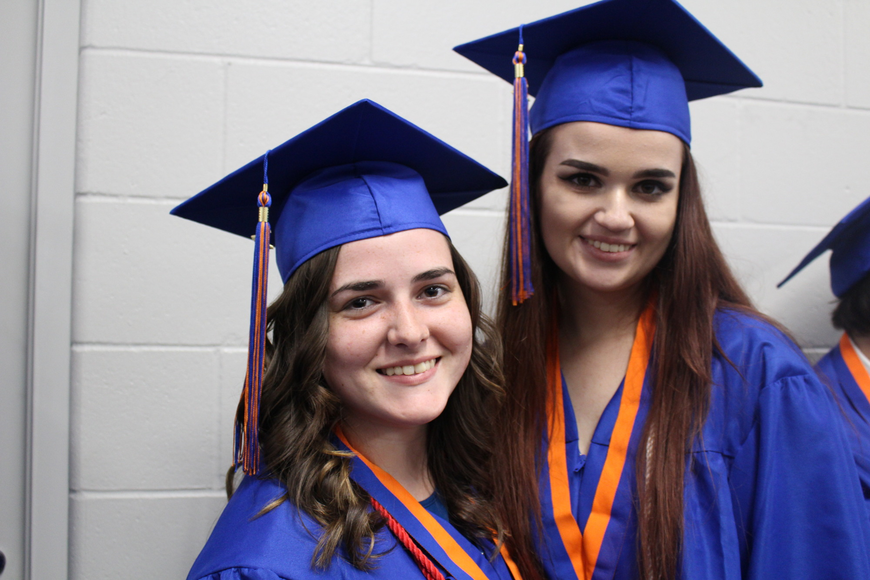 Chloe Kranston and Shannon Kolacki made time for a quick photo before the ceremony.