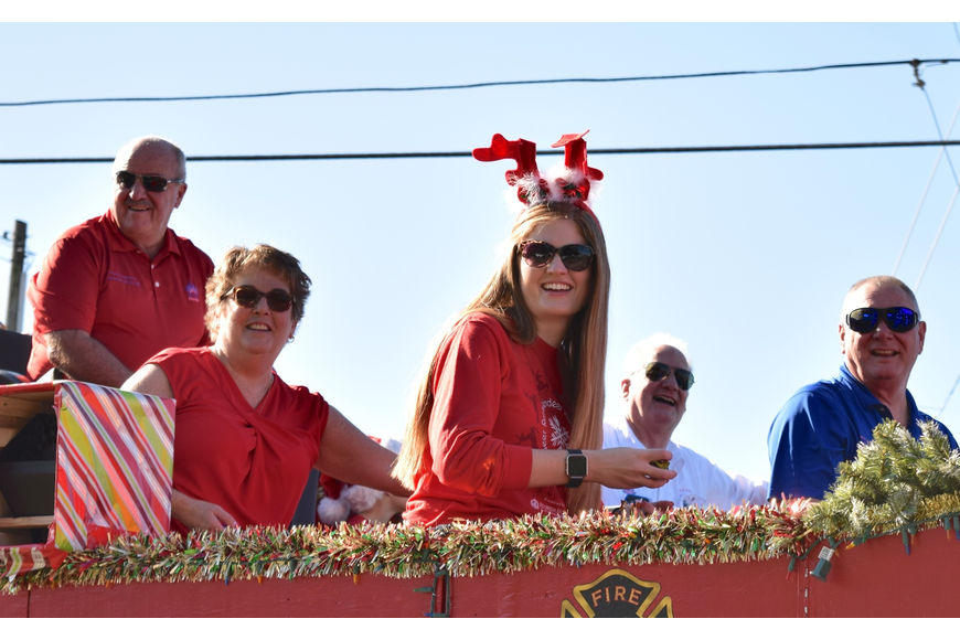 Ocoee Mayor Rusty Johnson, along with city staff and commissioners, were all smiles as the parade began.