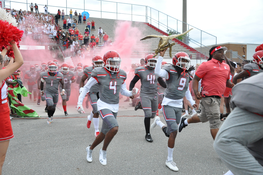 The Edgewater football team had the home crowd roaring.