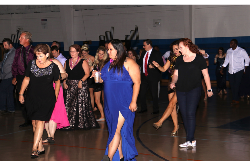 Prom-goers gathered on the floor to dance the Cupid Shuffle.