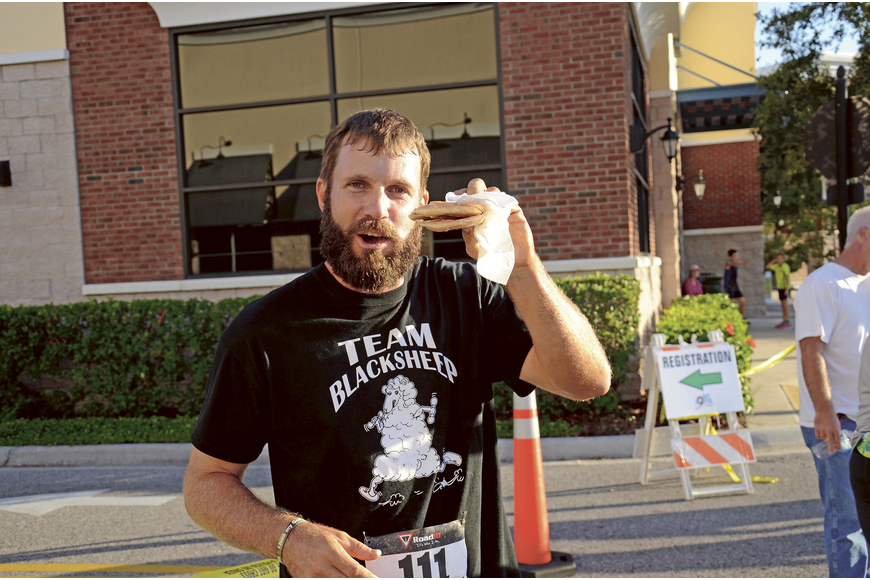 Kyle Wilder, A Member Of The Fitness Team Team Blacksheep, Ate The Most  Doughnuts Of Anyone At The Winter Garden Police Athletic Leagueu0027s Donut  Dash 5K.