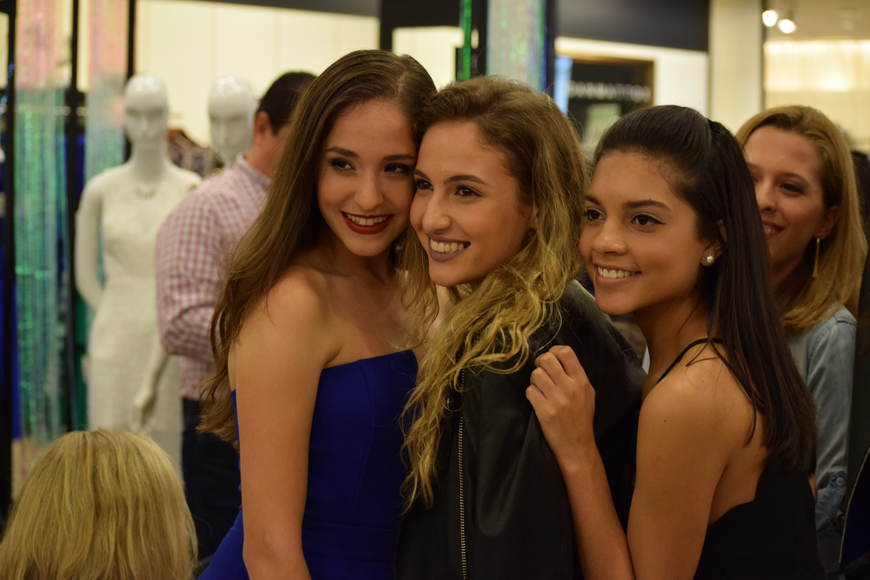 Friends Sofia Delfino, Zoe Rosenfield and Jimena Sierra gave their best smiles for the show's grand finale.